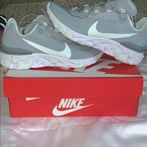 Womens Nike React Element